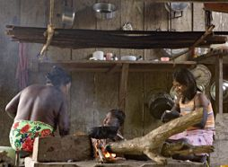 Indoor cooking by indigenous people in Rio Sucio, Colombia, 14 June 2006